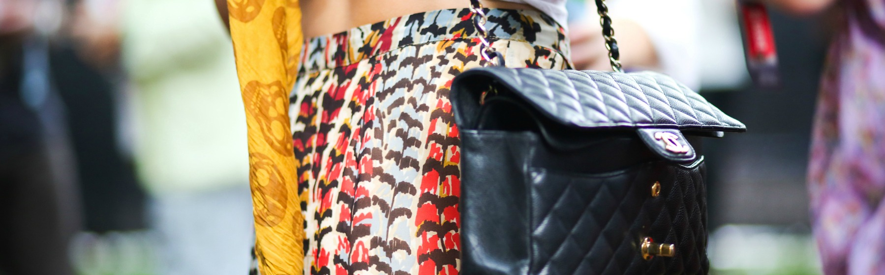 HOW TO WEAR FLORAL PRINTS TO WORK